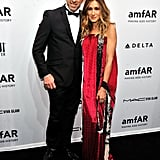 Sarah Jessica Parker posed with designer Kenneth Cole at the amfAR Gala.