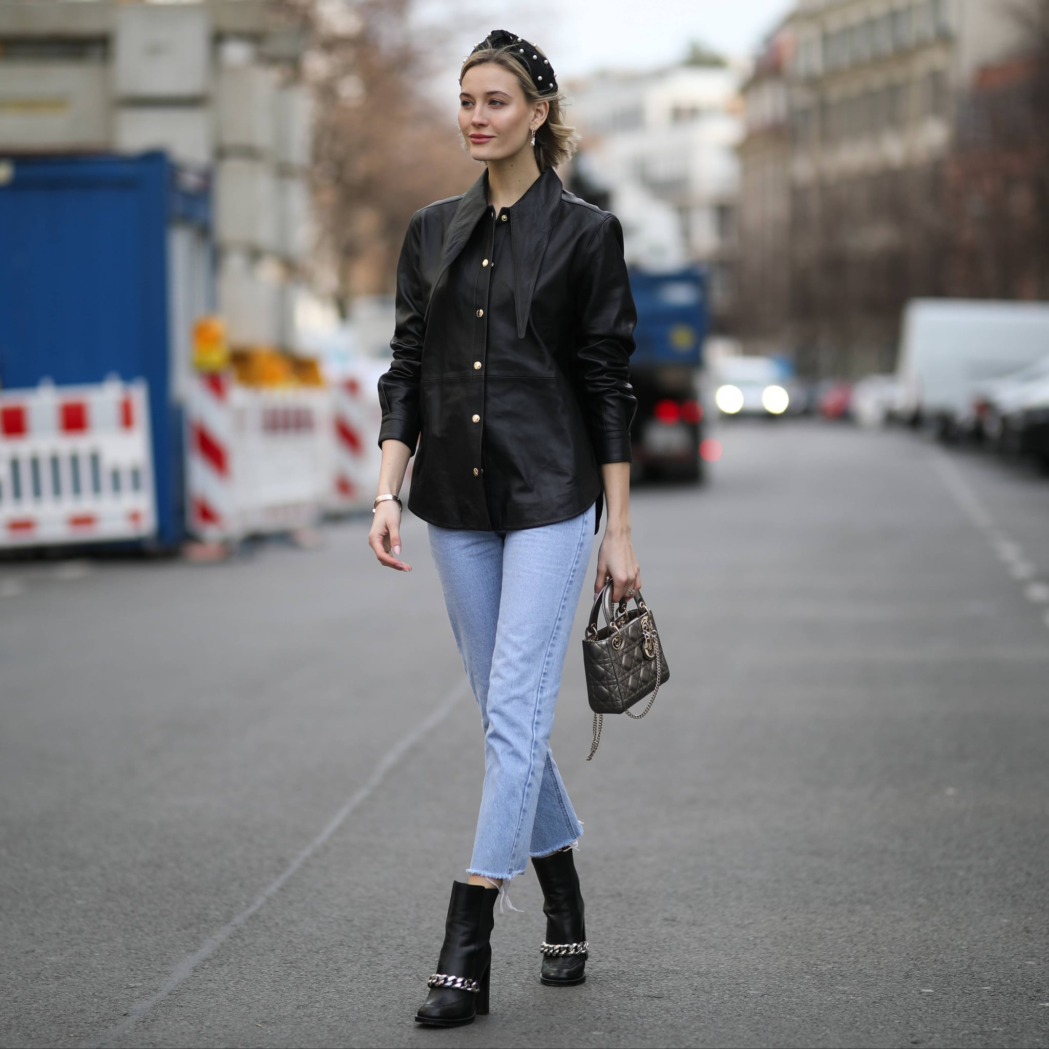 233ce34e3927 How to Wear Cropped Jeans