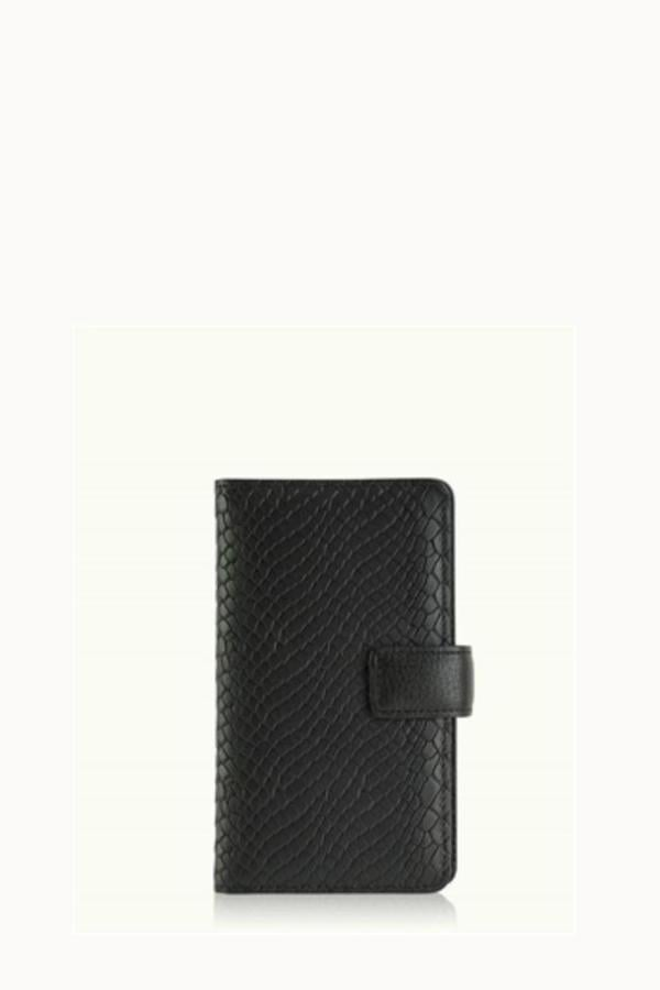 For the Connected Grandparent: iPhone Wallet