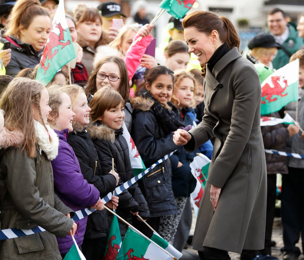 She met with a group of waiting fans while arriving in North Wales in December 2015.