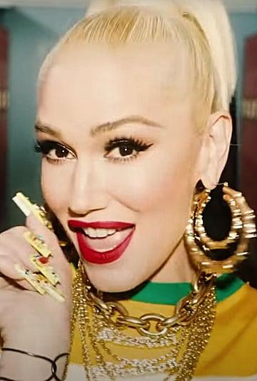 "See Saweetie and Gwen Stefani's Rhinestone ""Slow Clap"" Nails"