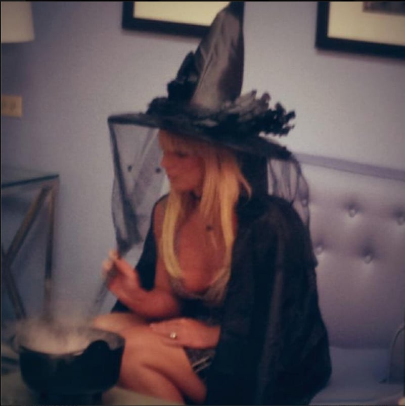 Britney Spears wrapped herself in a cape and hat backstage at The Tonight Show in LA on Monday. Source: Facebook user Britney Spears