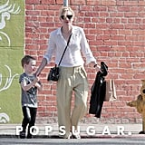Cate Blanchett crossed the street with Ignatius.