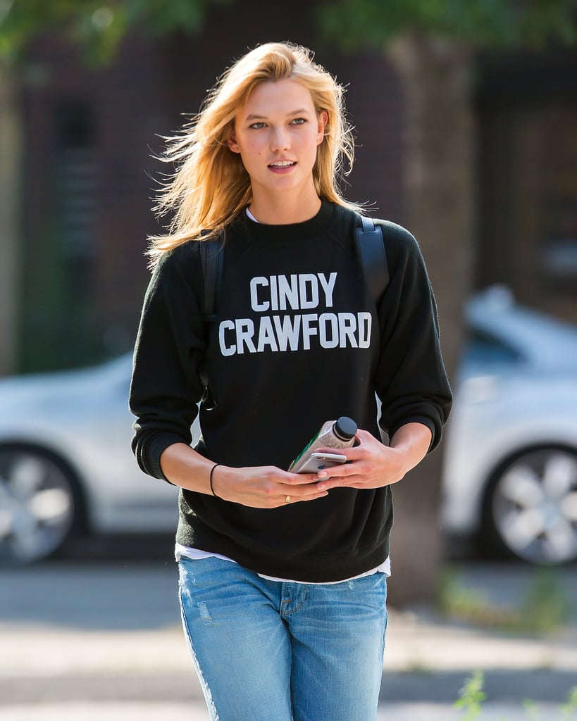 Karlie Kloss Wearing a Cindy Crawford Sweatshirt Is Just Plain Awesome