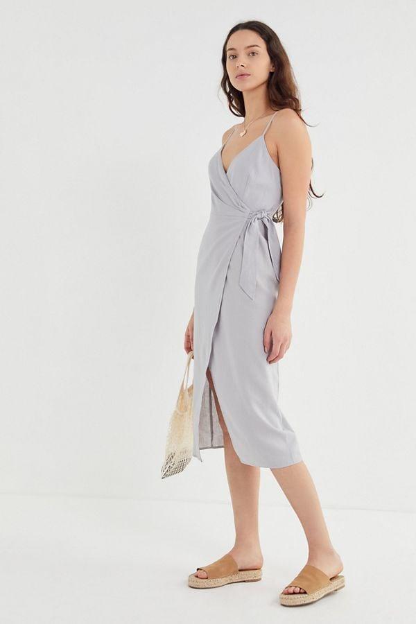 c3708ab2ce1d3 UO Quebec Linen Side-Tie Midi Wrap Dress