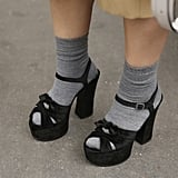 How to Wear Socks and Shoes