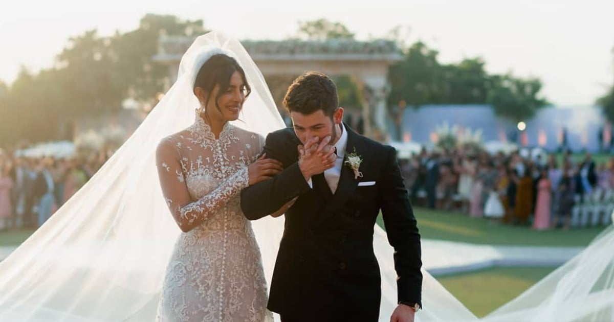 26 Brides Who Went Modest on Their Wedding Day — and Completely Took Our Breath Away