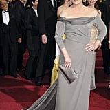 She Wore a Gorgeous Gray Column Gown at the 2009 Oscars