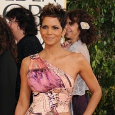 Halle Berry | Golden Globes Red Carpet Fashion 2013