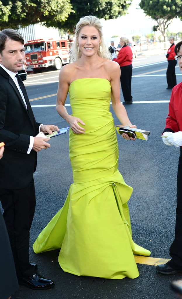 Julie Bowen — mom to three sons, Oliver, 5, and twins John and Gustav, 3 — stood out from the crowd in a neon green Monique Lhuillier gown.