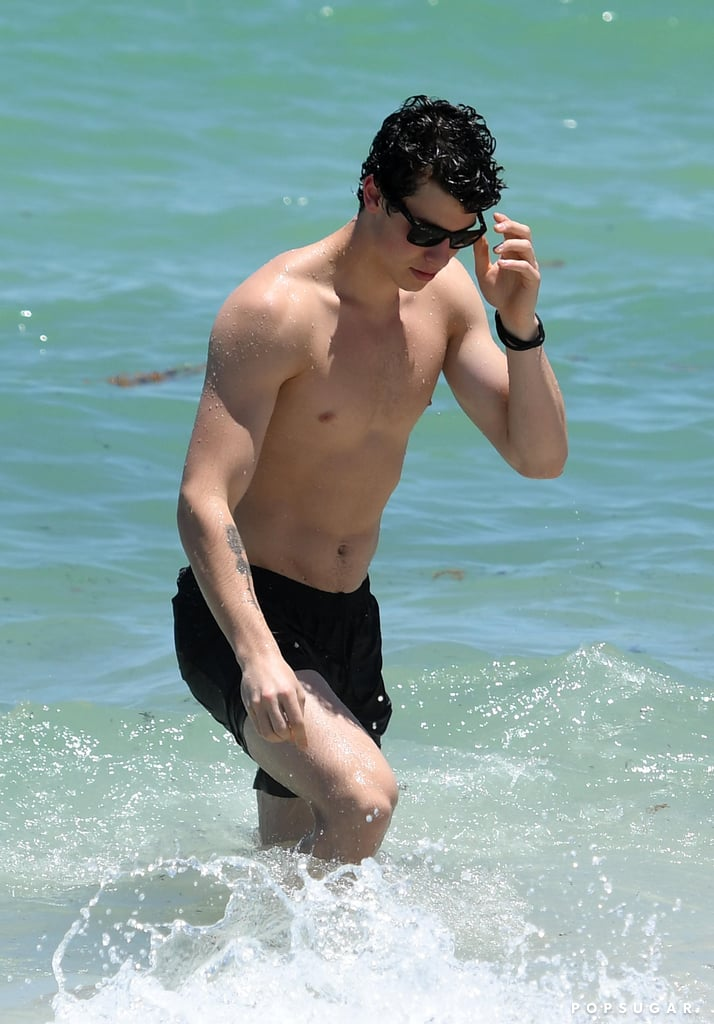 Shawn-Mendes-Shirtless-Miami-Pictures-July-2017.jpg