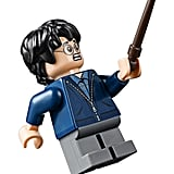 Harry's minifigure has a reversible head to really convey the fear in him during the attack.