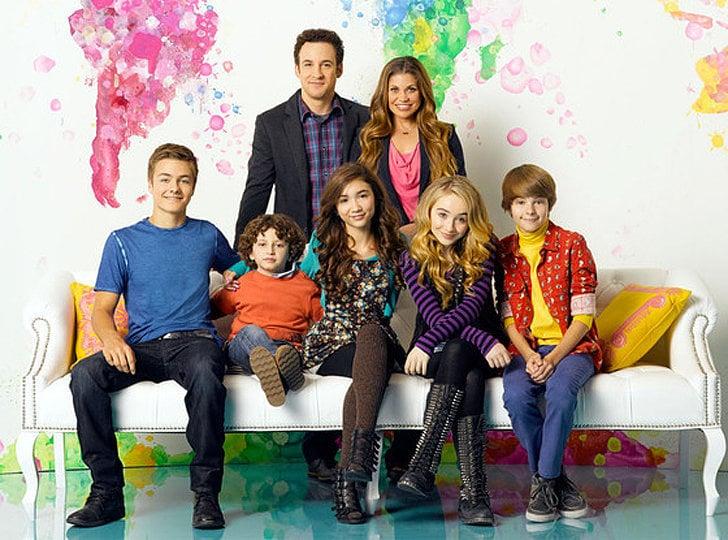 The show's official cast photo.
