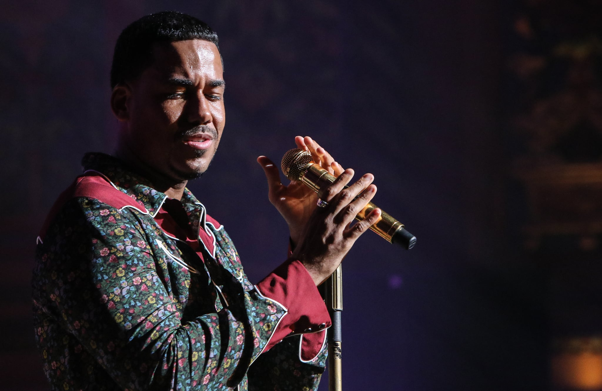 MIAMI, FL - AUGUST 15:  Romeo Santos performs during a intimate evening presented by La Musica at Olympia Theater on August 15, 2017 in Miami, Florida.  (Photo by John Parra/WireImage)
