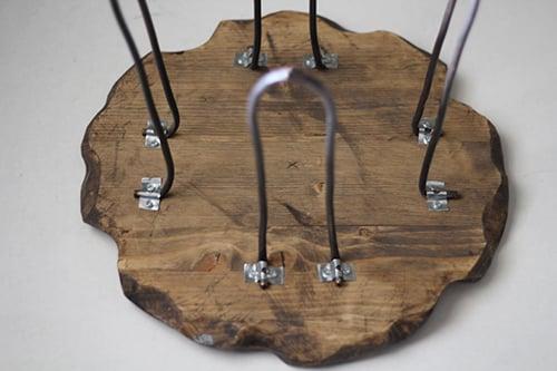 طاولة خشبية بجمال رائع Small-Rustic-Stool-D