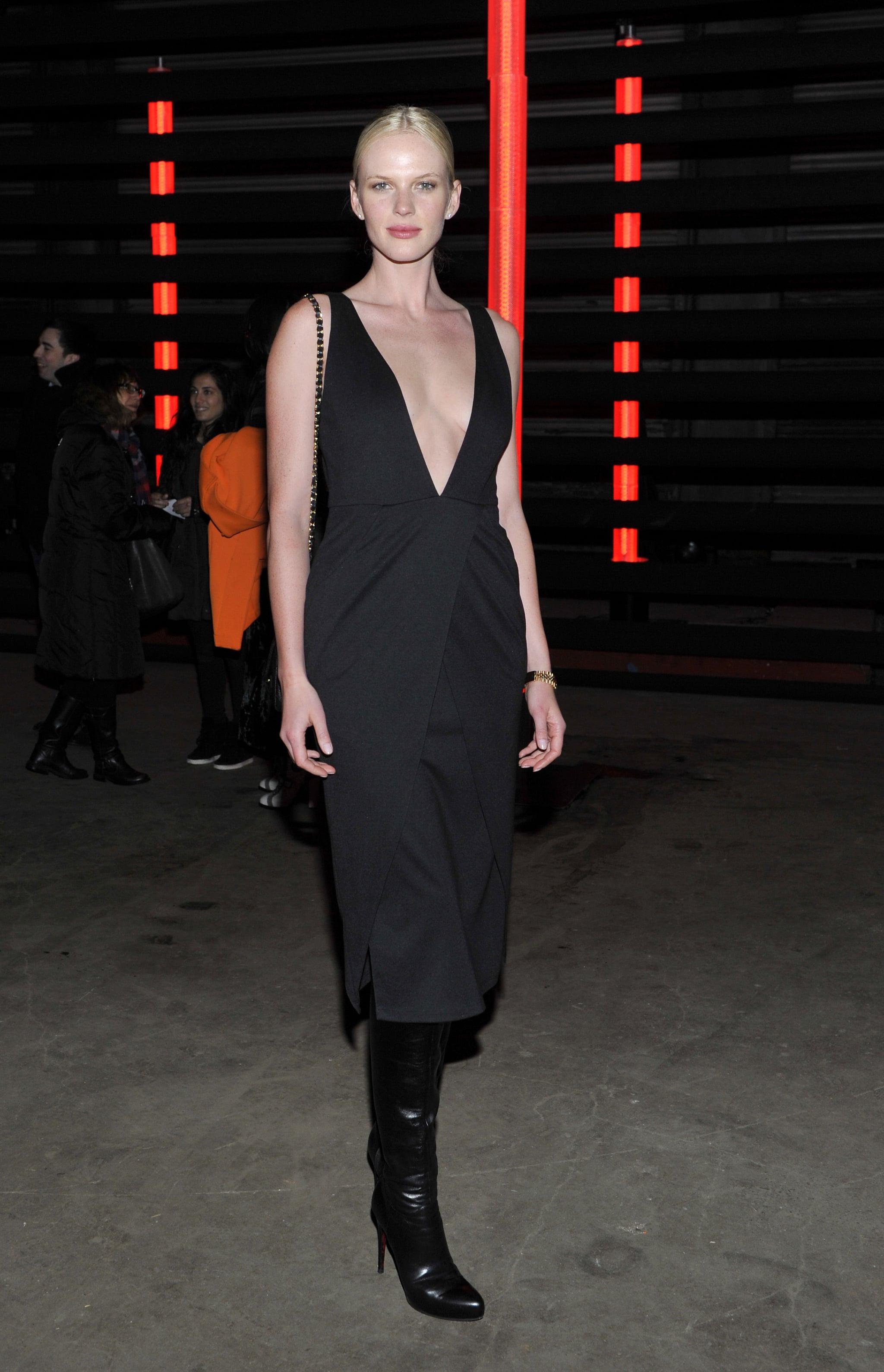 détaillant en ligne 40454 c93ff Anne Vyalitsyna's plunging black dress was juxtaposed via ...