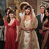 Jess (Zooey Deschanel) stands by her BFF (Hannah Simone).