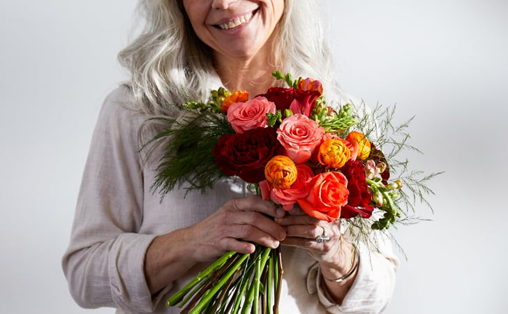 Enlighten Your Special Moments With Online Flower Delivery