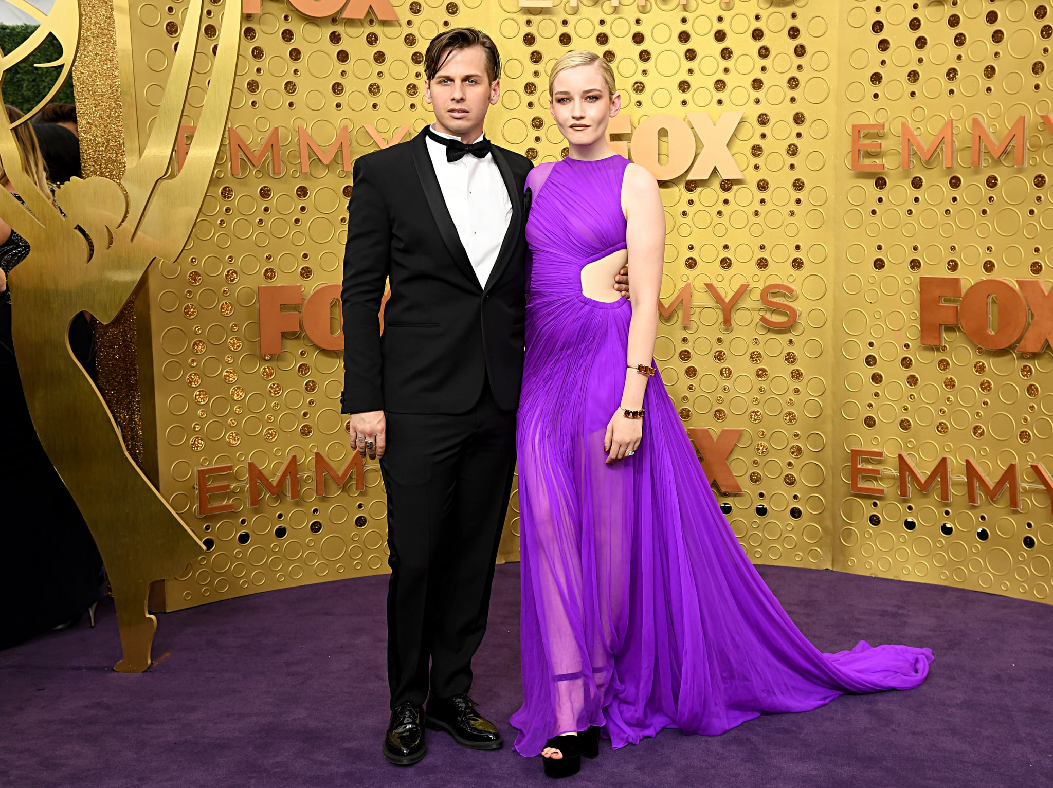 LOS ANGELES, CALIFORNIA - SEPTEMBER 22: (L-R) Mark Foster and Julia Garner attend the 71st Emmy Awards at Microsoft Theatre on September 22, 2019 in Los Angeles, California. (Photo by Jeff Kravitz/FilmMagic)