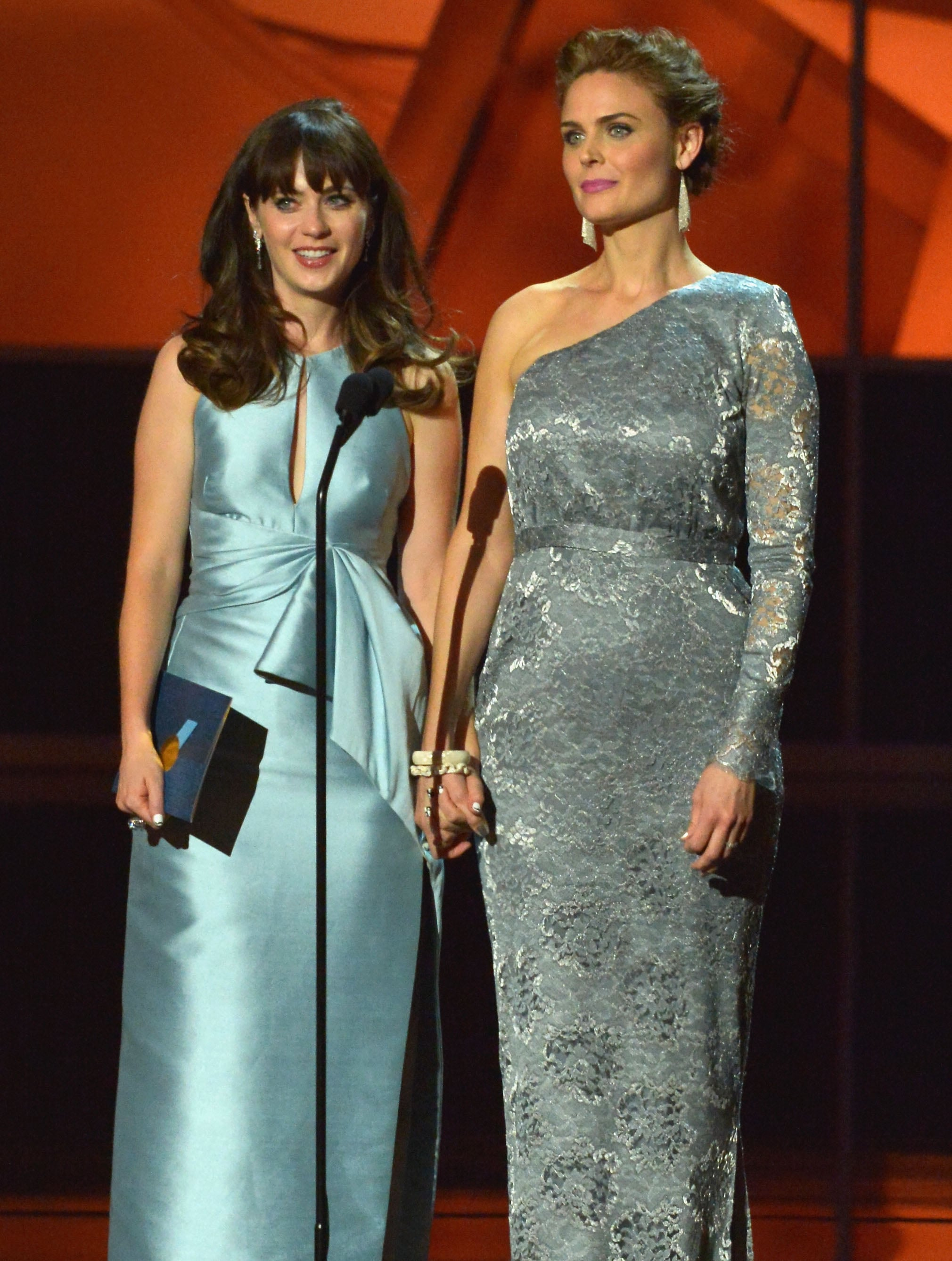 Zooey Deschanel, presented an award with her sister, Emily ...
