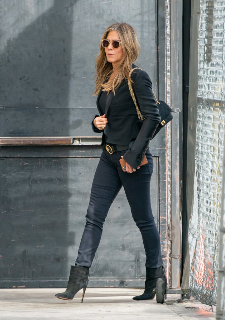 Jen Made Her Dark Denim Look Like the Perfect All-Black Outfit With Pops of Gold