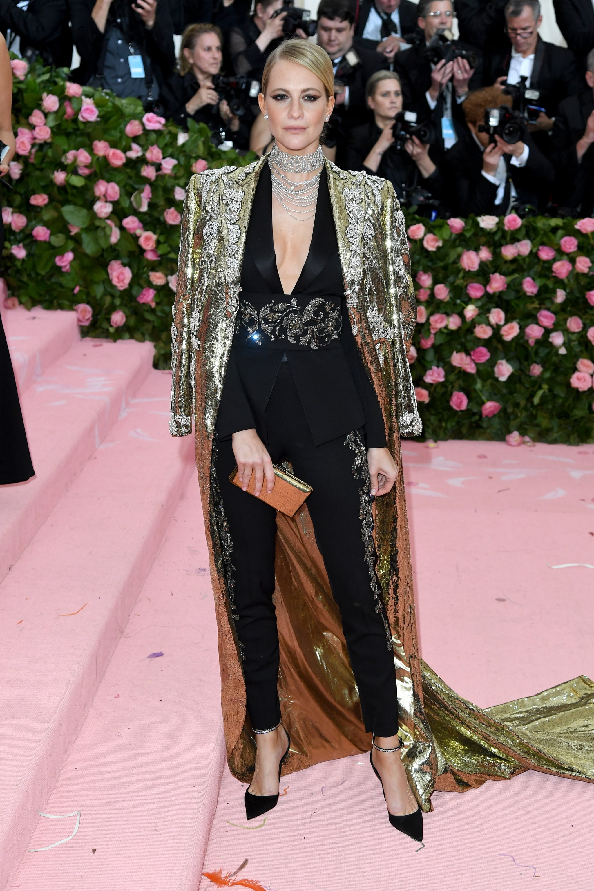 Poppy Delevingne at the 2019 Met Gala | These Met Gala Looks Are Dramatic  Enough to Entertain You For the Rest of the Year | POPSUGAR Fashion Photo  163