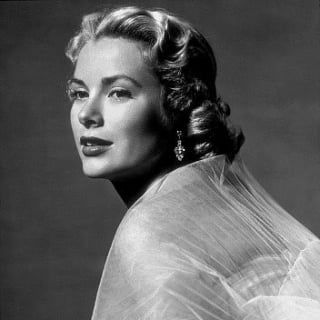 Blonde Hitchcock Stars: Janet Leigh, Grace Kelly & More