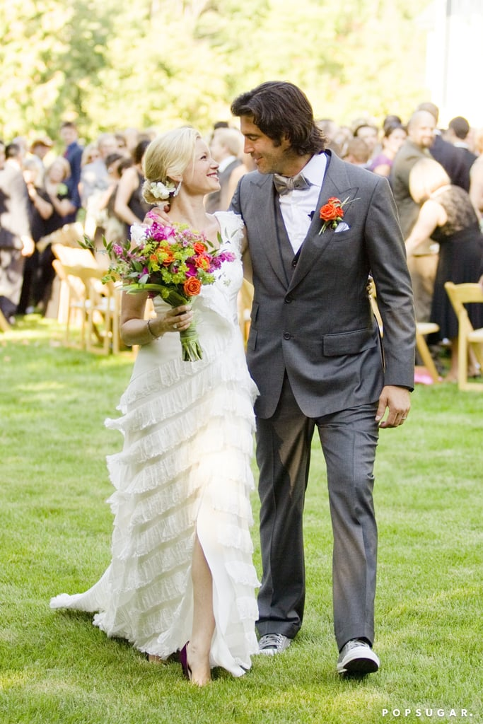 Carter Oosterhouse tied the knot with Amy Smart in Michigan during September 2011.