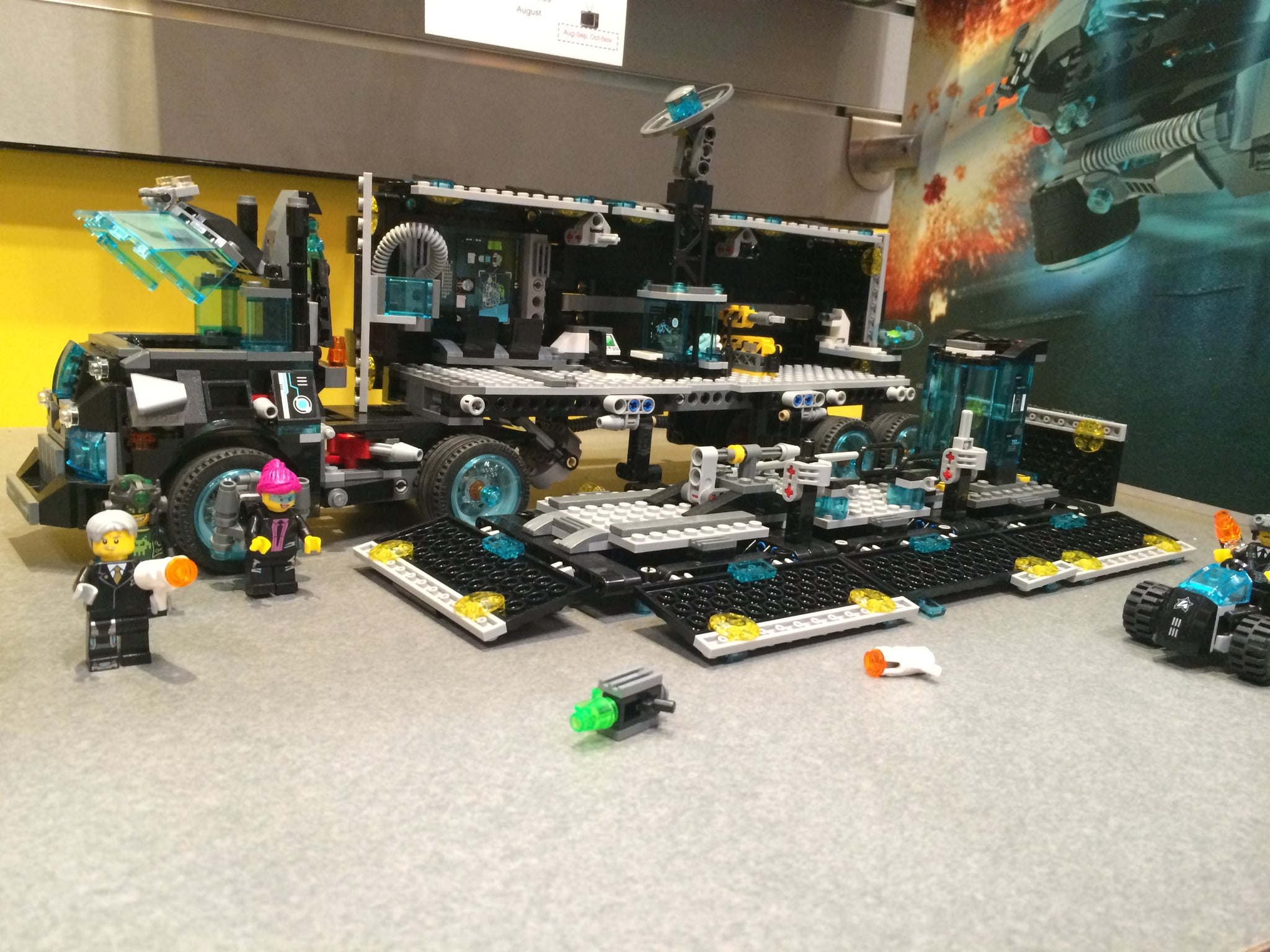 Lego Ultra Agents Mission HQ