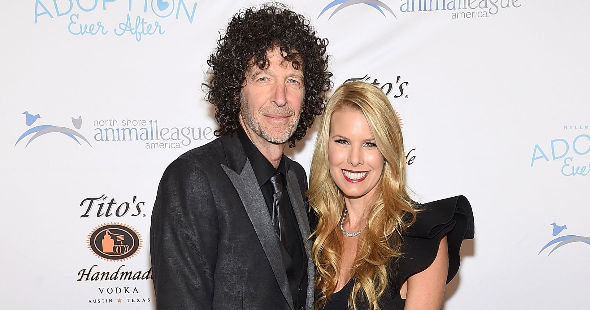 """Howard Stern Proposes to Wife Beth All Over Again: """"I Love You So Much"""""""