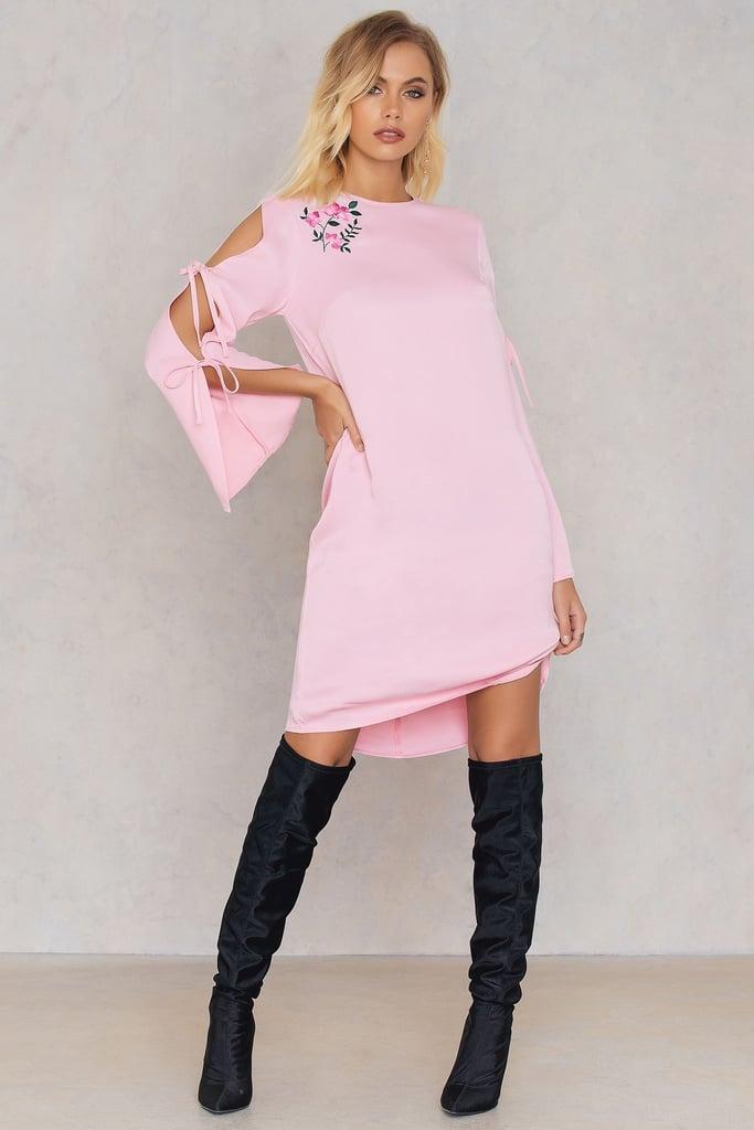 Andrea Hedenstedt x NA-KD Embroidered Knot Dress Pink
