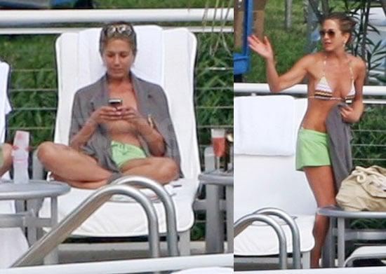 Images of Jennifer Aniston in a bikini