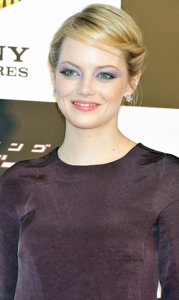 Emma Stone posed onstage at The Amazing Spider-Man premiere in Japan.