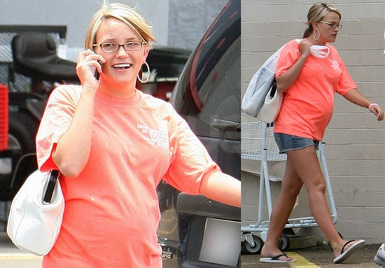 Photos of Pregnant Jamie Lynn Spears and Casey Aldridge Run Errands in Mississippi