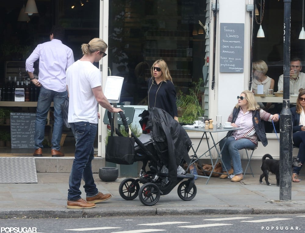Chris Hemsworth and Sienna Miller ate lunch at the same restaurant in London.
