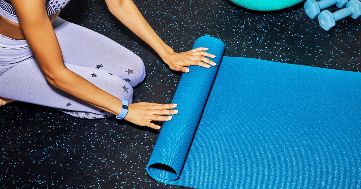 These Are the 8 Mistakes You're Making During Home Workouts, According to a Trainer