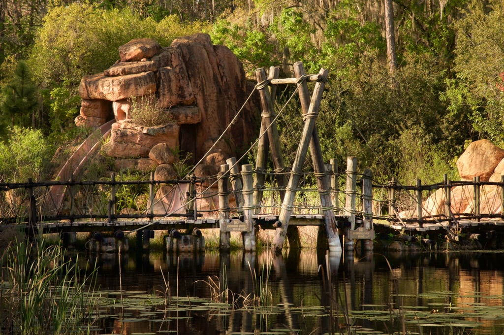 These Abandoned Disney Park Photos Look Like Scenes From a Postapocalyptic World