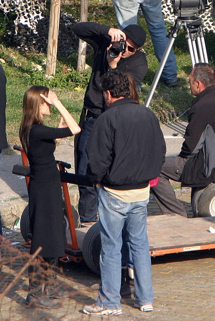 Pictures of Angie and Brad Kissing on Set