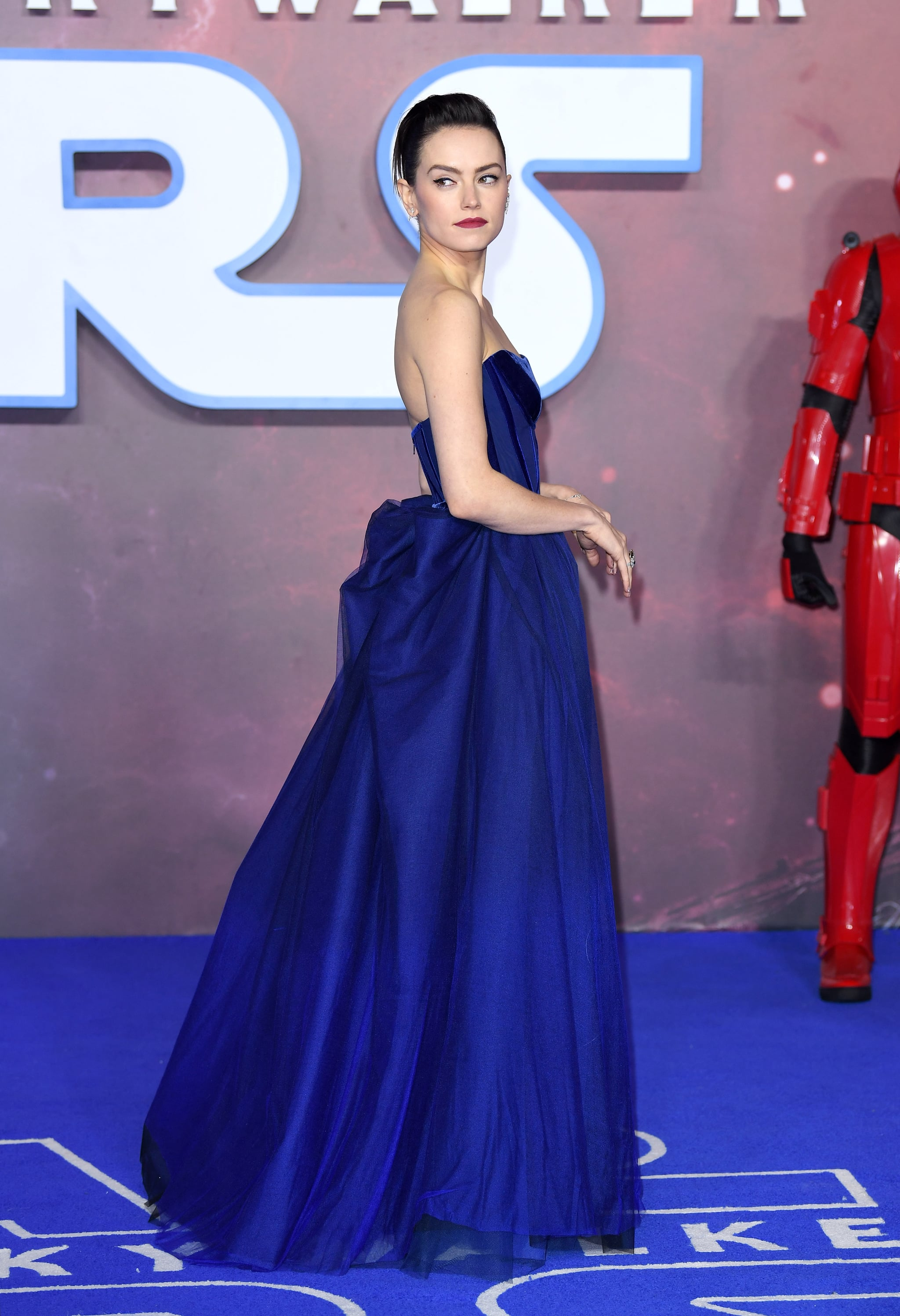 Daisy Ridley At The London Premiere For Star Wars The Rise Of Skywalker See The Cast Of Star Wars The Rise Of Skywalker Turn It Up At The London Premiere You