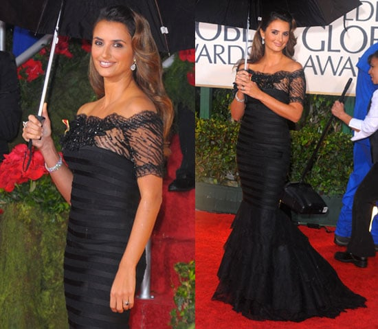 Photos of Penelope Cruz on the Red Carpet at the 2010 Golden Globes 2010-01-17 17:32:44