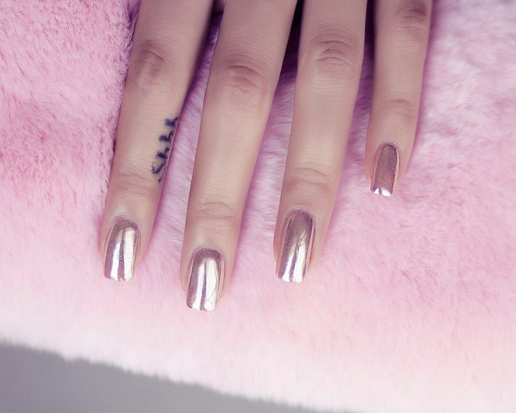 How To Get The Chrome Nails Finish Popsugar Beauty Middle East