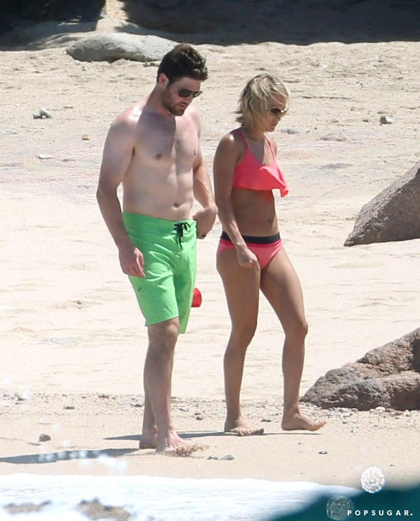 Carrie underwood paparazzi bikini
