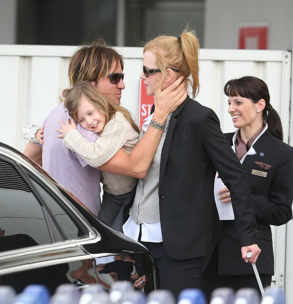 Keith Urban carried his daughters.