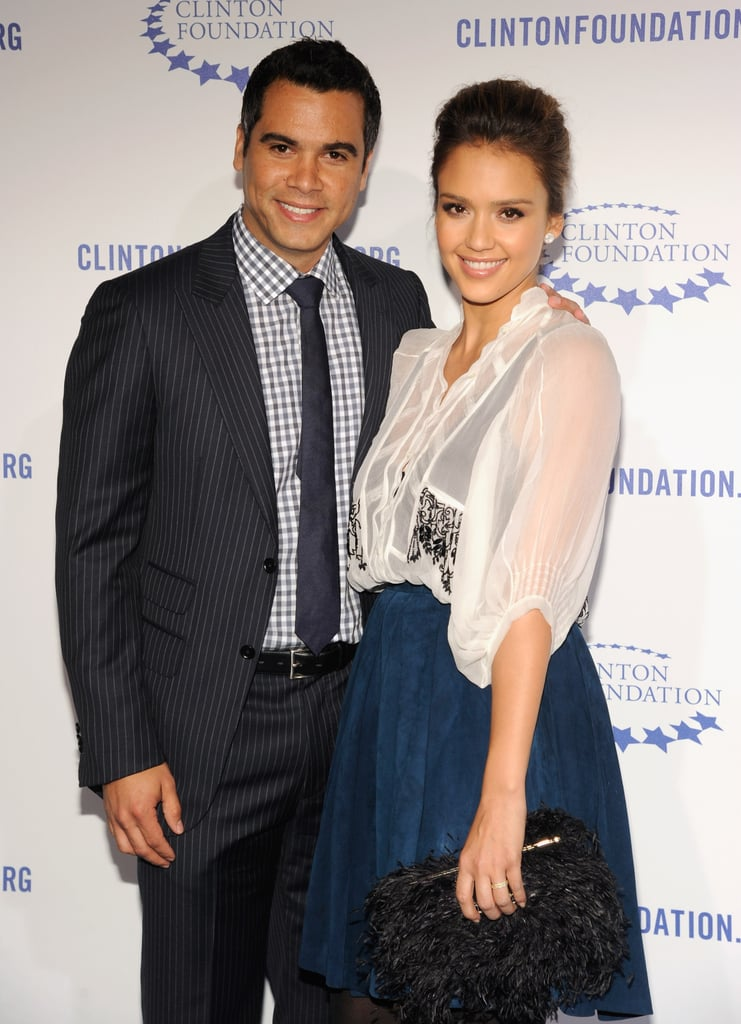 Cash Warren posed for a photo with Jessica Alba.