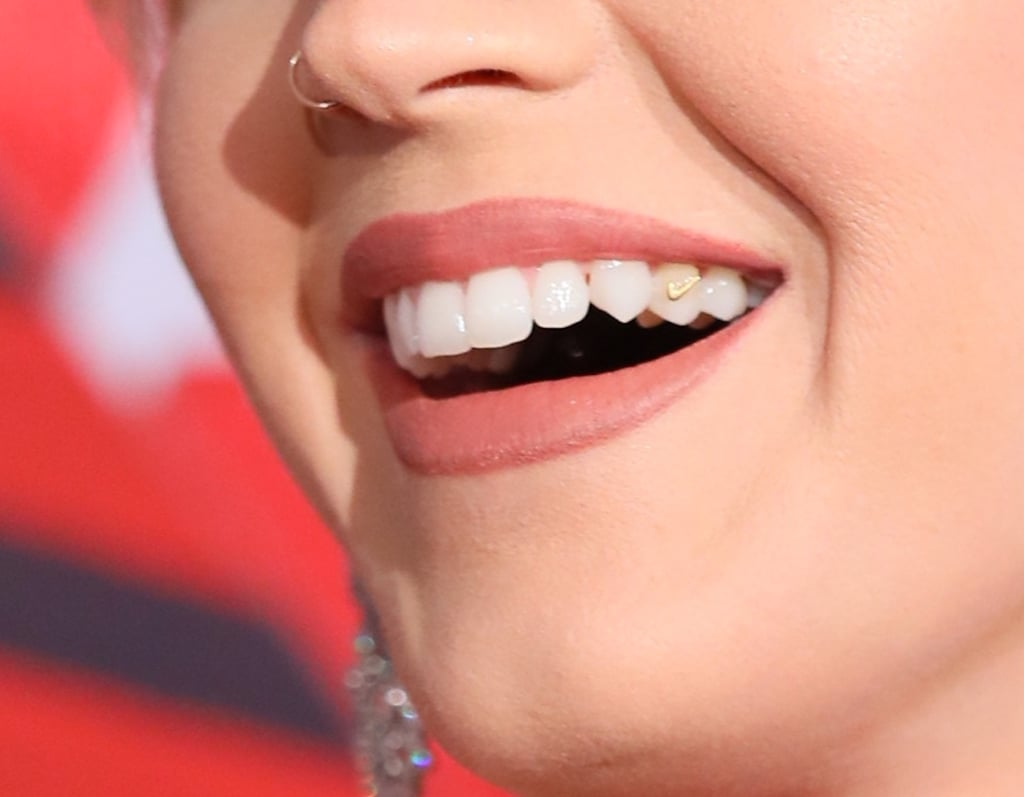 Katy Perry's Tooth Jewelry at the 2017 iHeartRadio Awards ...