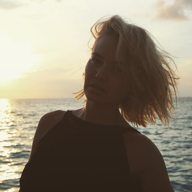 Perfectly tousled beach hair is one of Lara's specialties. Source: Instagram user mslbingle