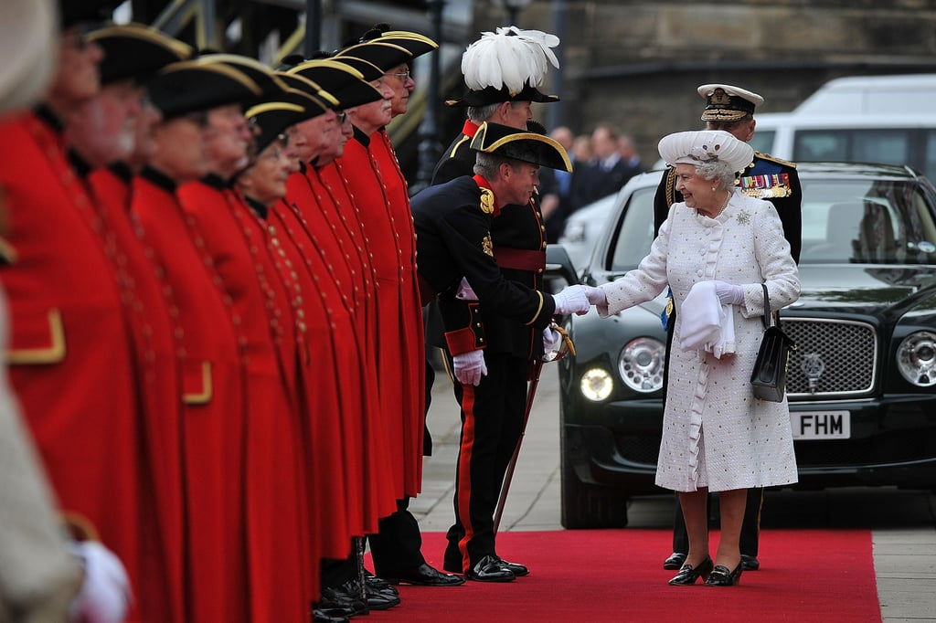 The queen greeted Chelsea pensioners at Chelsea Pier ahead of the Thames Diamond Jubilee Pageant.