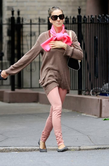 Sarah Jessica Parker Wears Pink Rag & Bone Jeans. Steal Her Look!