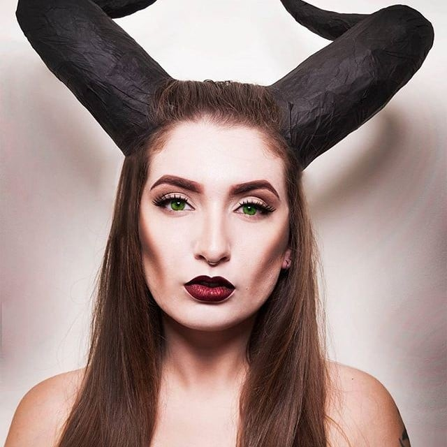 halloween costumes with colored contacts popsugar beauty