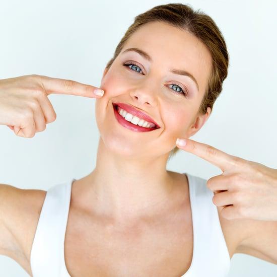 طريقة تبييض الأسنان في المنزل